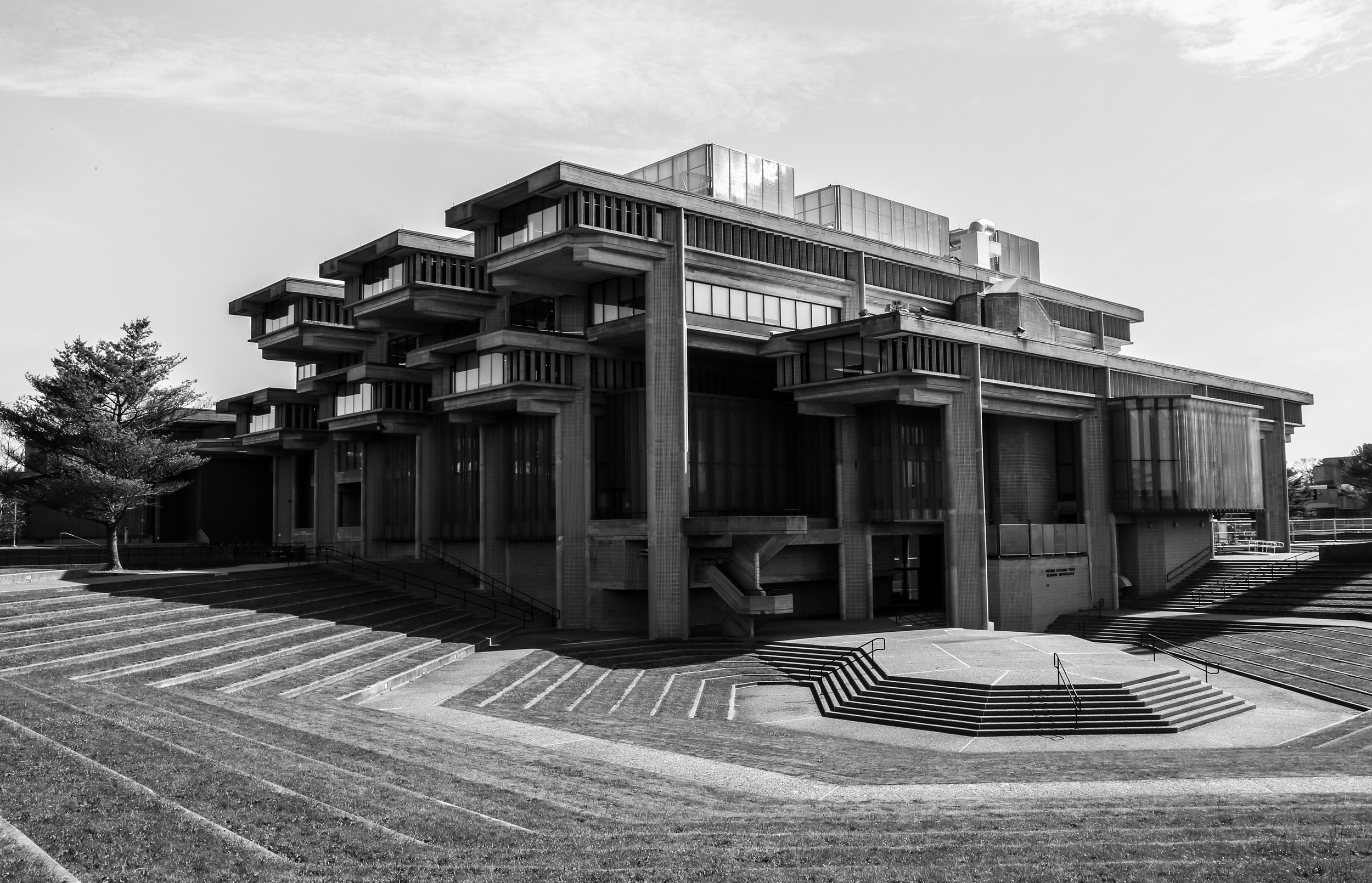 Vietnam Veterans Peace Memorial Amphitheater at University of Massachusetts Dartmouth - North Dartmouth, Massachusetts - Paul Rudolph