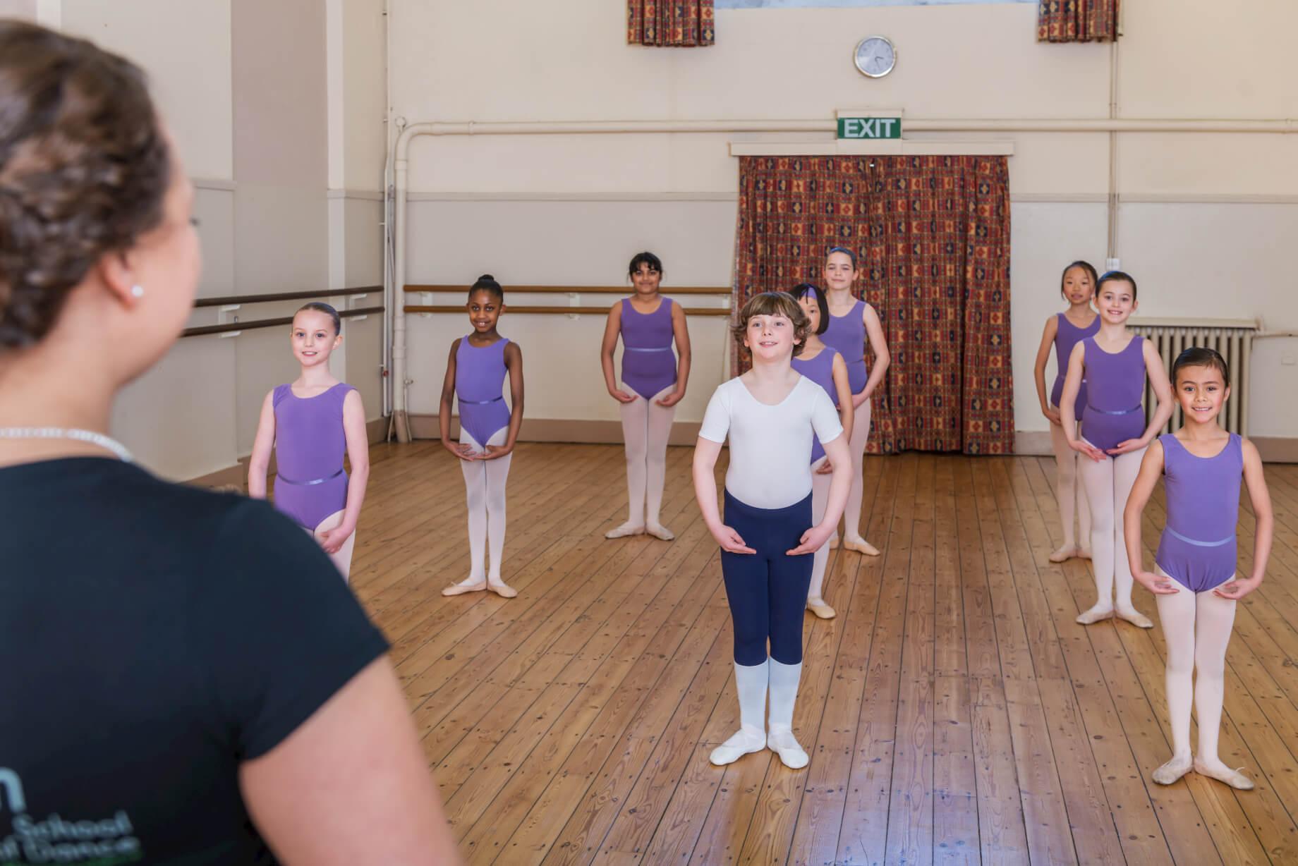 ballet-class-rnsd-principal-watching-pupils-rutleigh-norris-school-of-dance-boy-centre.jpg