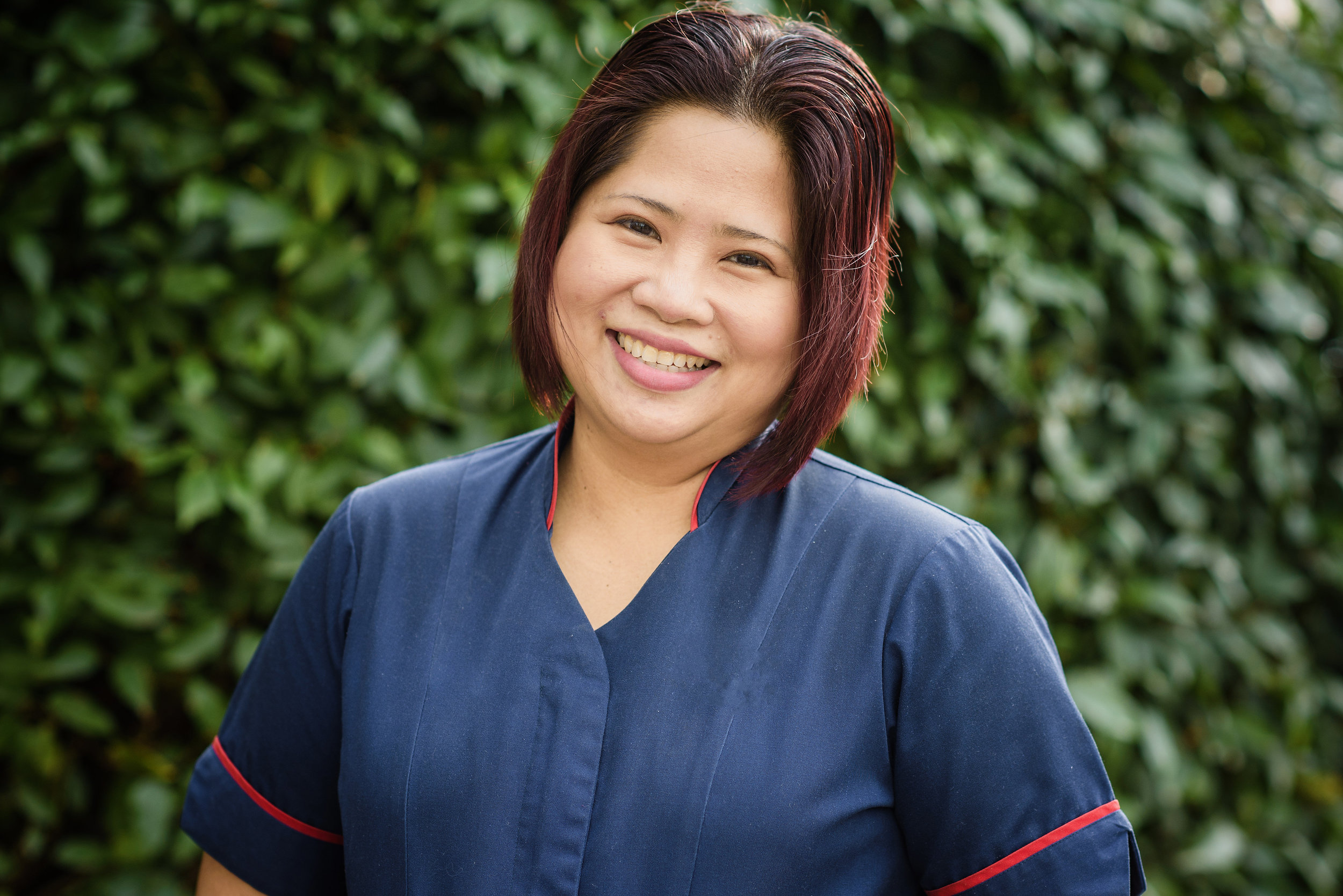 Headshot of a smiling lady outside | Corporate Photographer Aylesbury Buckinghamshire and Thame Oxfordshire
