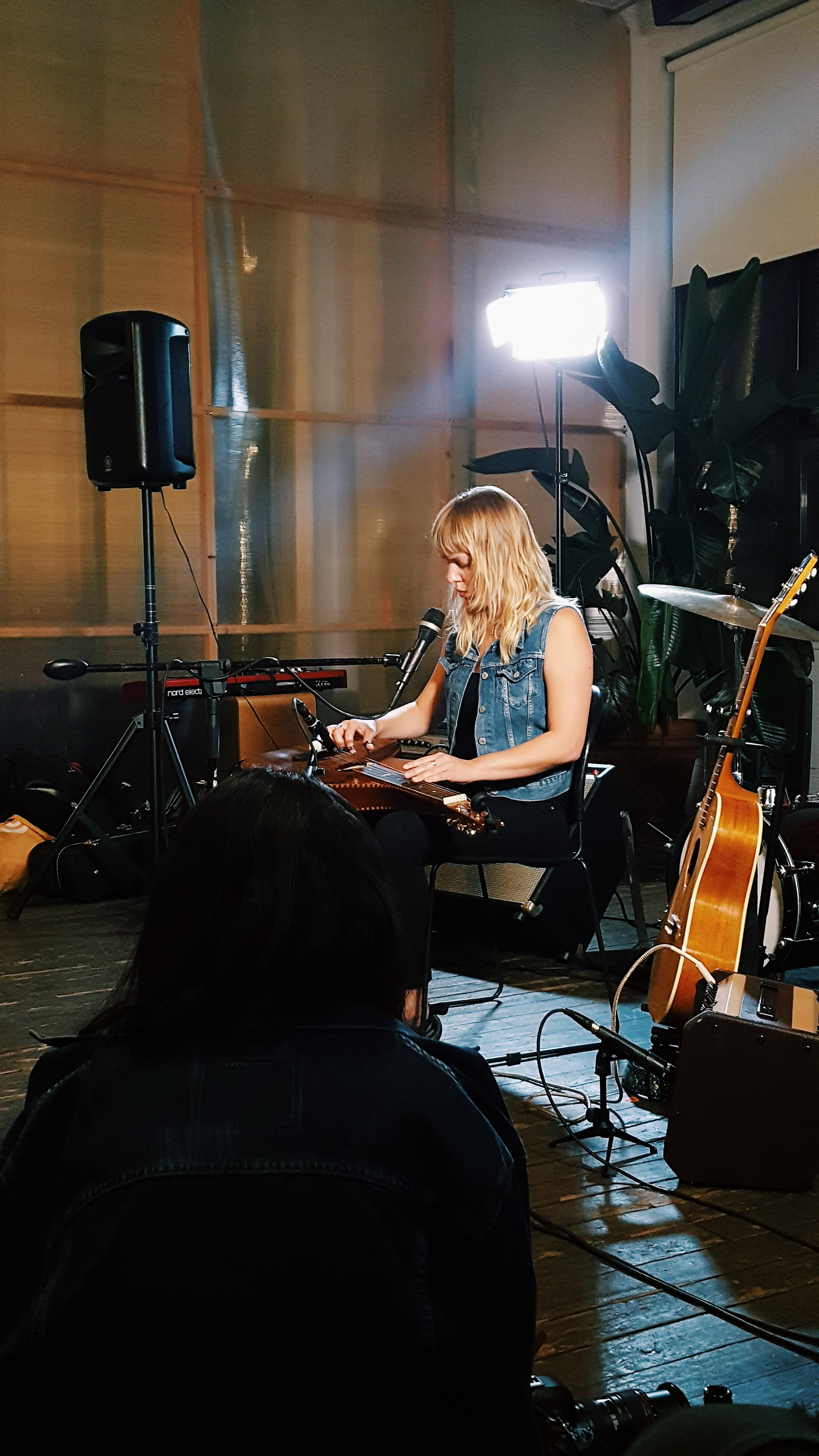 Lauren Calve @So Far Sounds NYC which provides intimate music events with local acts in 274 cities around the world.