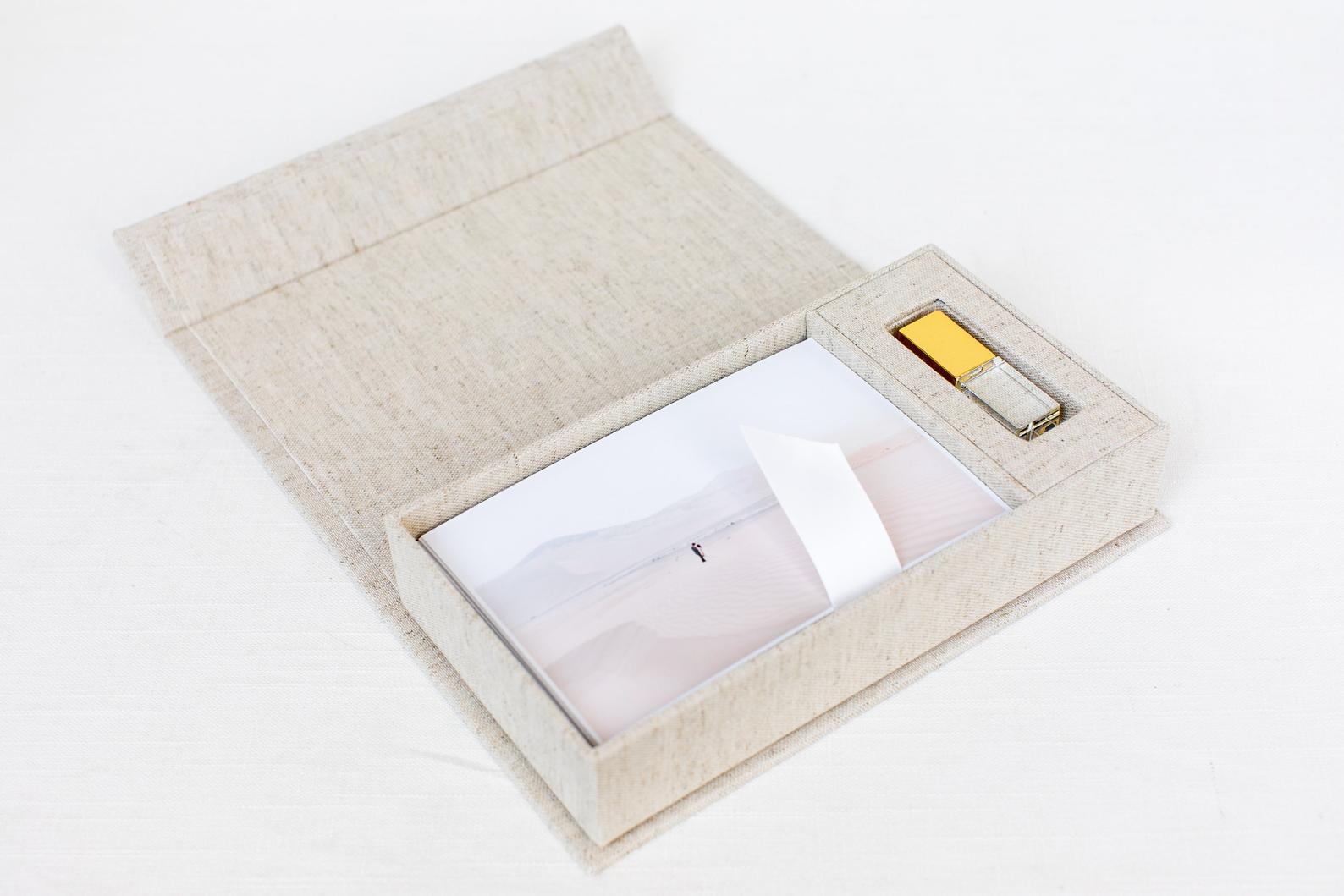 USB drive + presentation box with prints