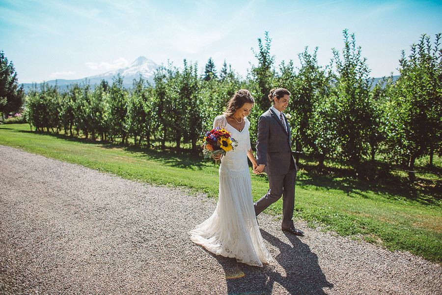 Mt-Hood-Organic-Farms-Wedding-Photographs-43.jpg