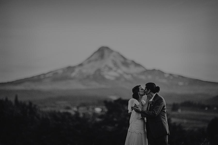 Mt-Hood-Organic-Farms-Wedding-Photographs-158.jpg