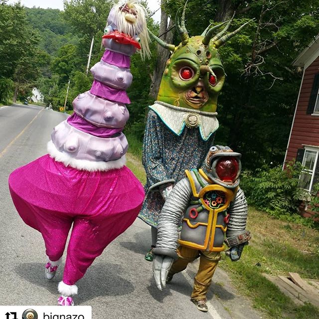 Country roads take me home... #westfultonpuppetfestival  #Repost @bignazo with @get_repost ・・・ Madge and Worma follow the BIG NAZO mobile navigational system Dome-Bot down a country road.  #bignazo #bignazolab #countryroads #countryroadstakemehome #robots #alieninvasion #domebot #madge #worma