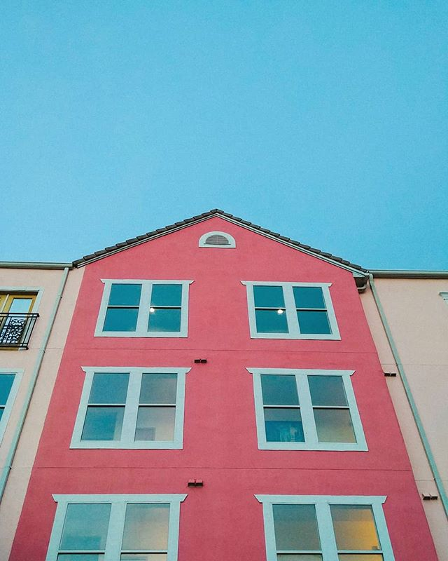 This is actually Wes Anderson's house- - - - - - #architecture #photography #photooftheday #stunnersoninsta #justgoshoot #travel #florida