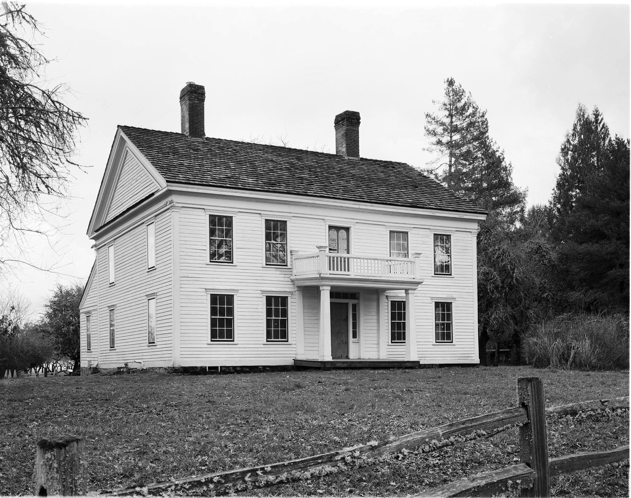 Bybee-Howell House (1856), Sauvie Island, OR (2016). This photograph is now in the Historic American Buildings Survey (HABS) in the Library of Congress (#HABS-OR-47-3).