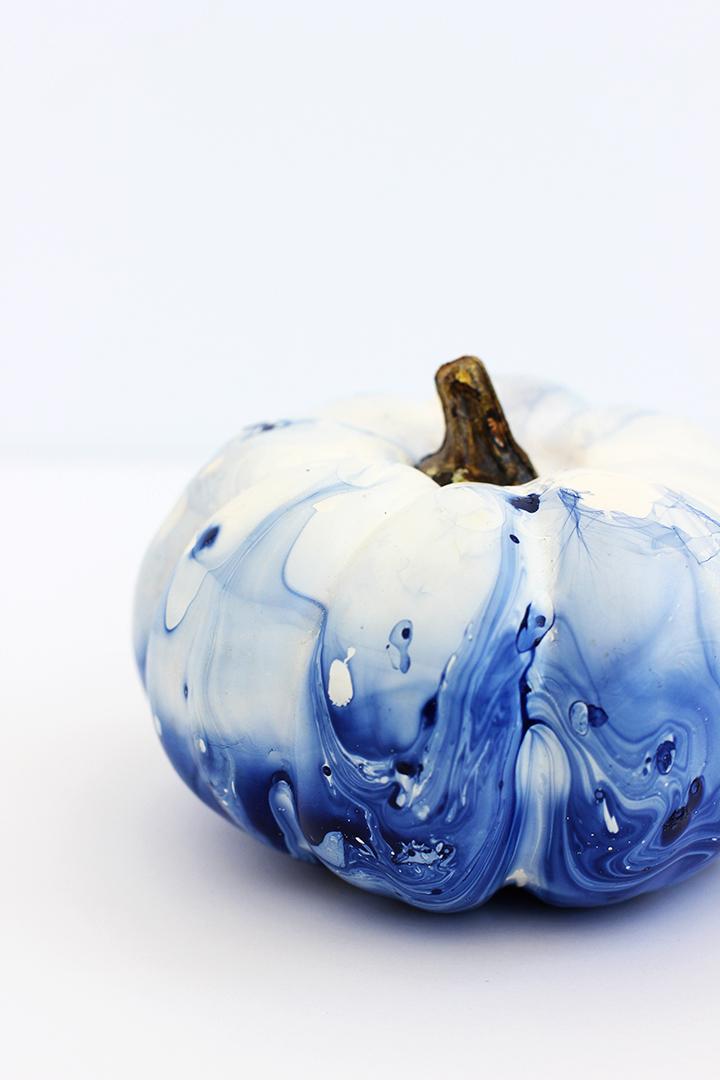 diy-marbled-indigo-pumpkins-17.jpg