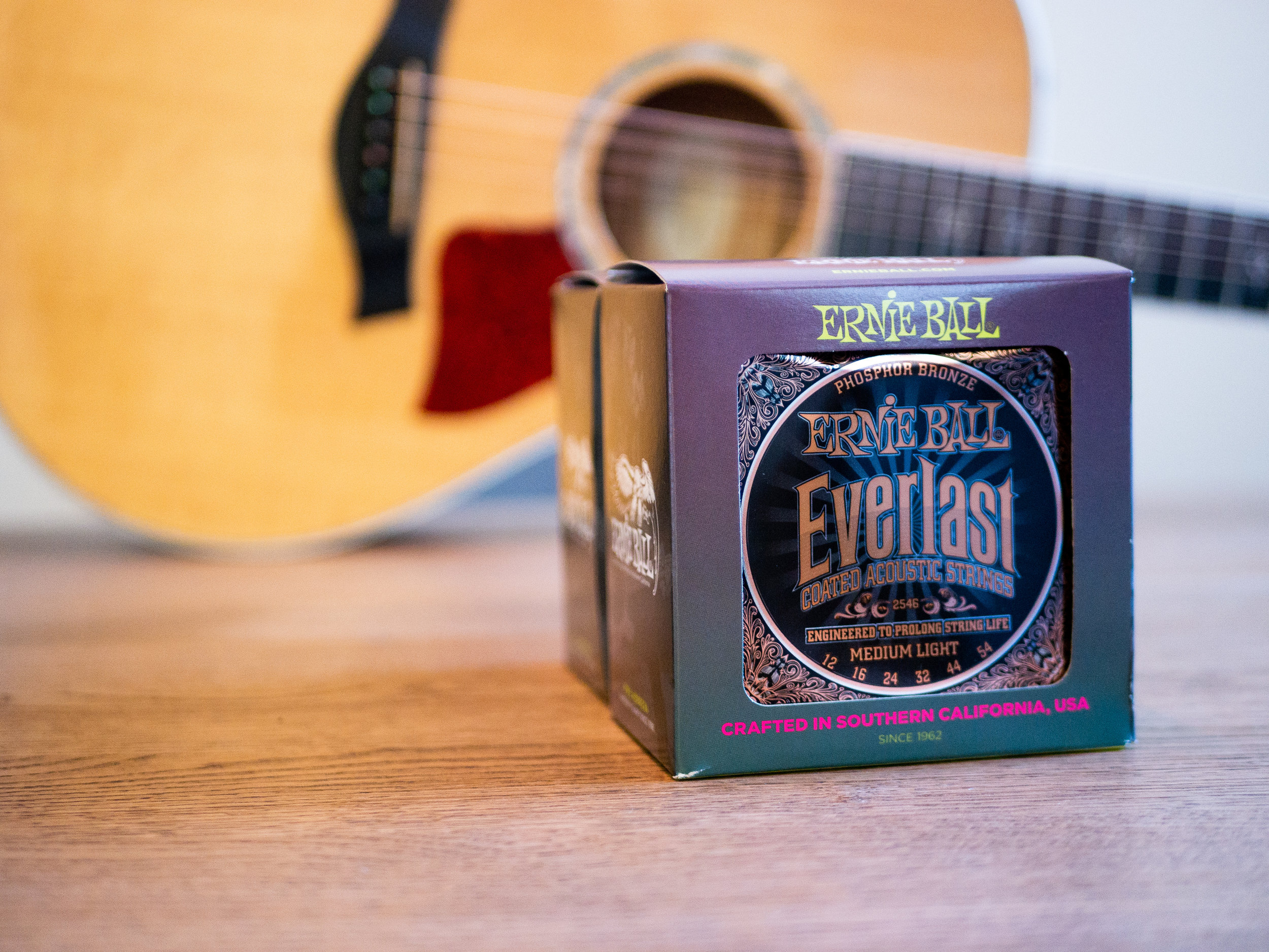 Ernie Ball - Moses uses Ernie Ball's Everlast Phosphor Bronze 12-54 strings on his Taylor 612ce because of their rich, warm tone and superior coating technology. The smooth, natural feel of these strings are essential for Moses' unique playing style.