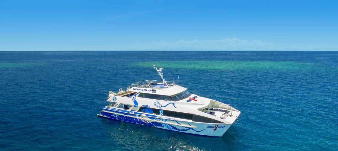 Port Douglas Great Barrier Reef Cruise to 2 Reef Locations