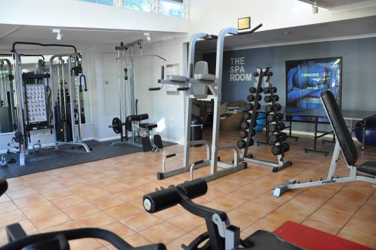 Fitness centre - Our onsite gymnasium and fitness centre is equipped with a range of electronic gym equipment, treadmills, elliptical cross trainer, weights, benches, work stations, spin bikes and more. Access to this area is via the glass doors near reception and its open each day from 7am.