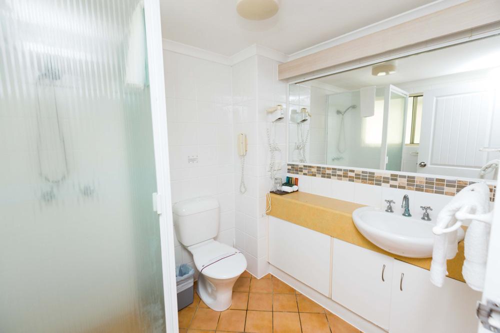 Coral Sea View Bathroom