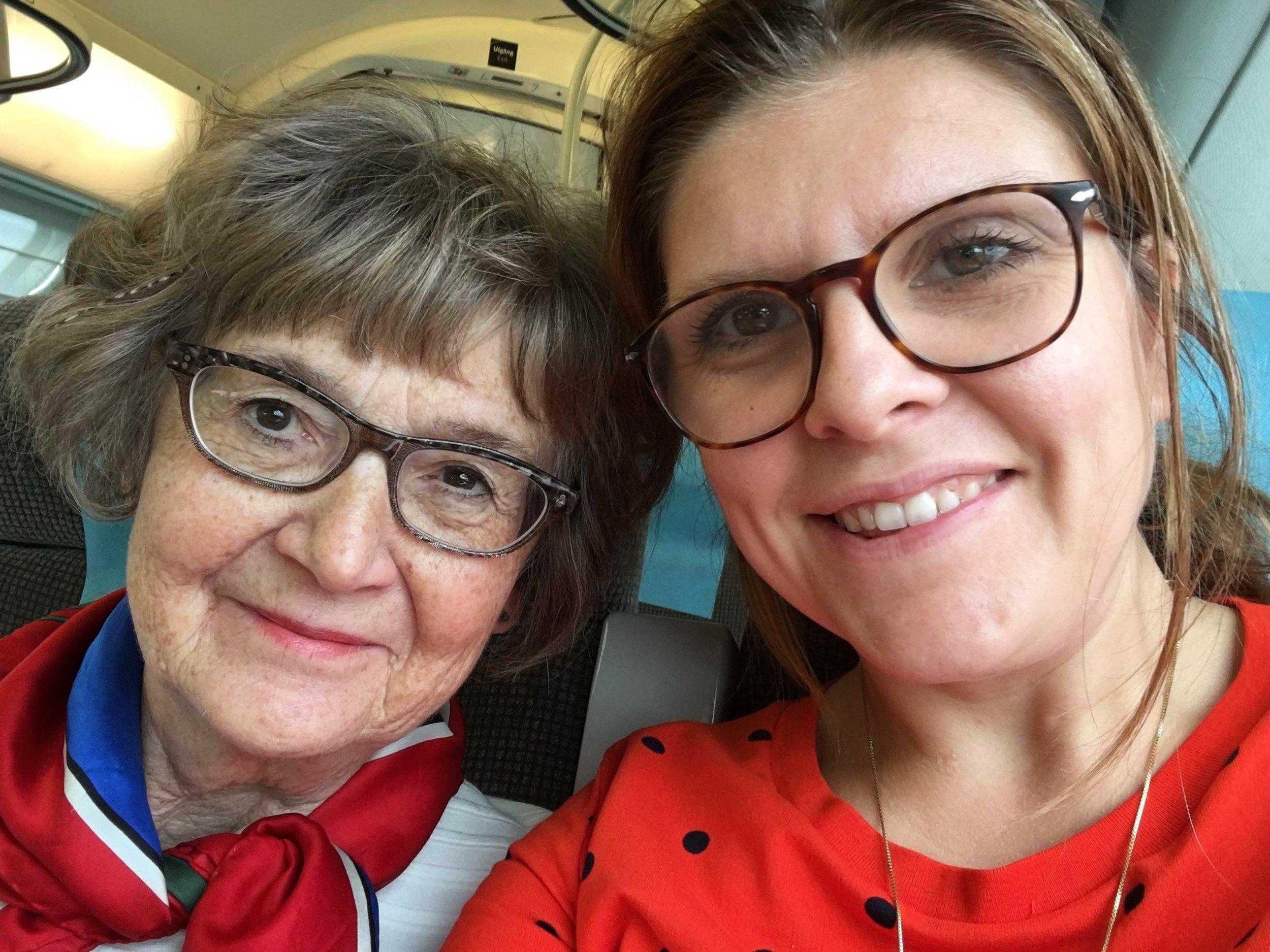 Minna och jag på tåget hem från Göteborg.