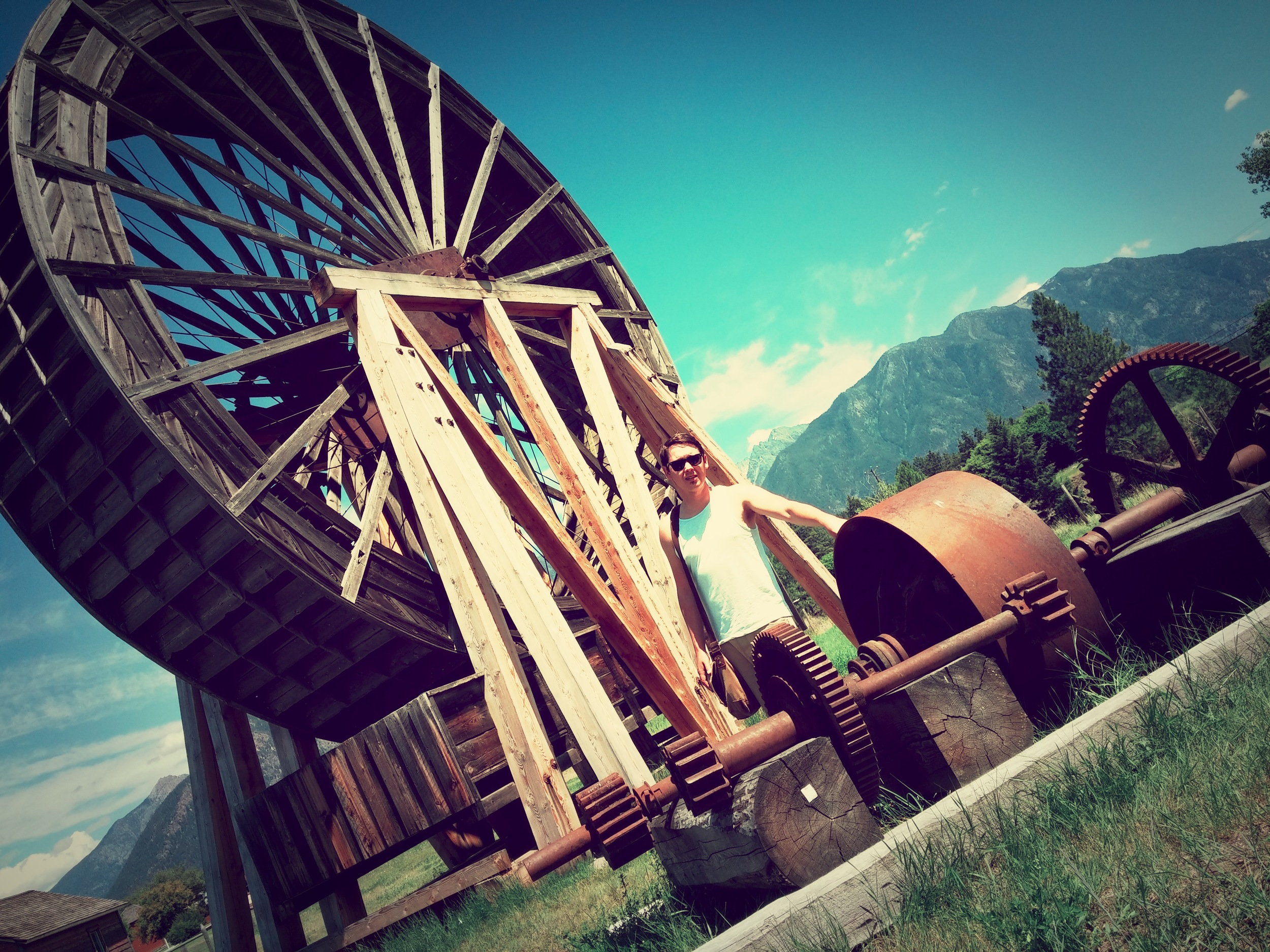 FORTE-STEELE-water-wheel.jpg