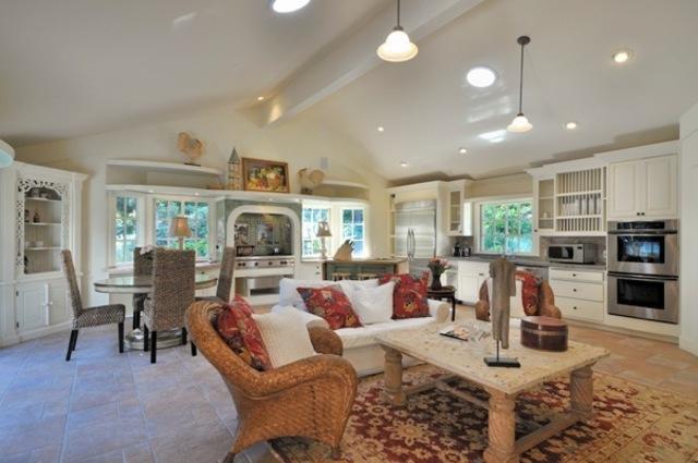 2516 Sycamore Canyon Road    Montecito, CA $1,850,000   4BR • 3BA