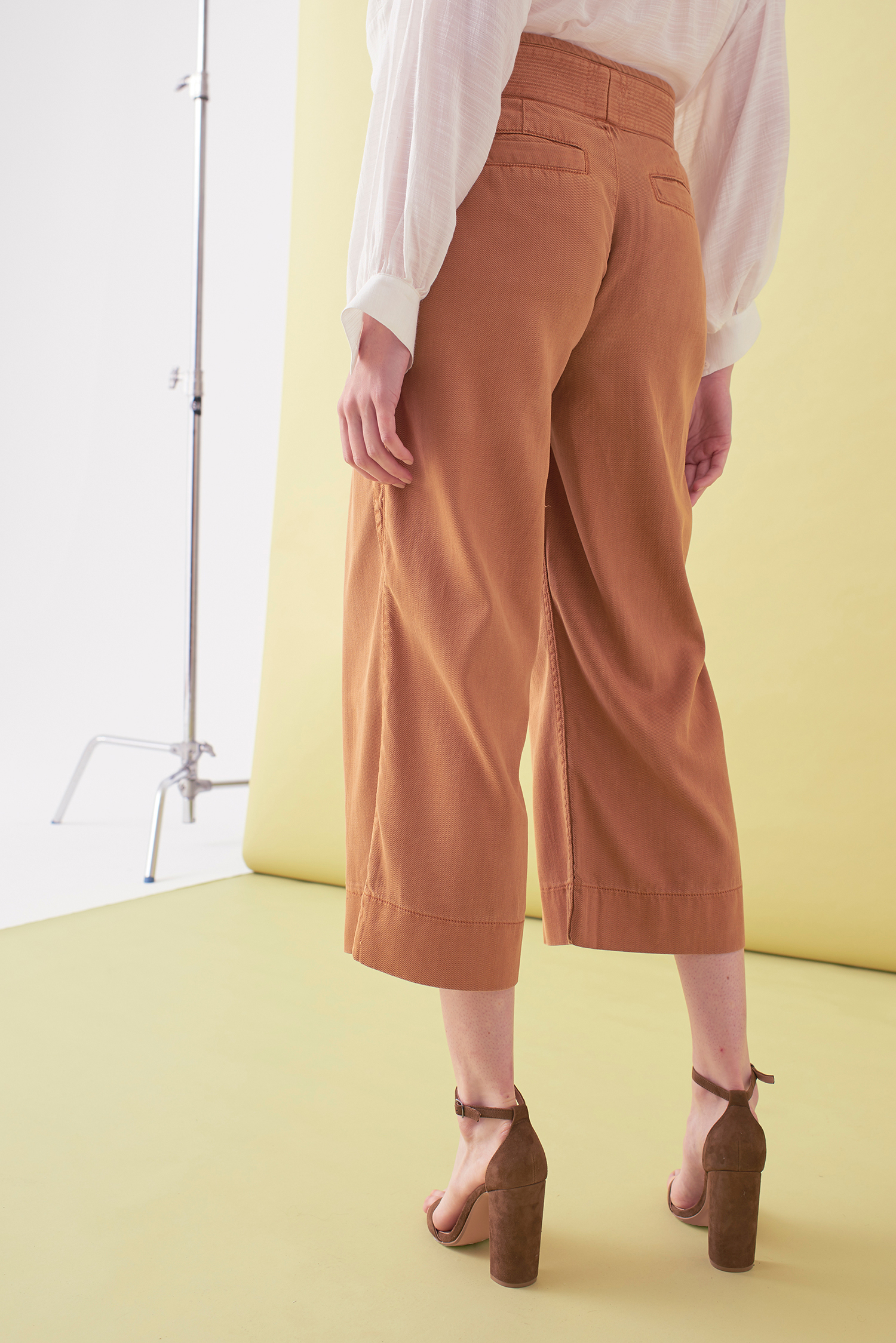 Sarah_Swann_SS17_21_Garment_Dyed_Cotton_Wide_Cropped_Trouser_Cosmetic_B.jpg