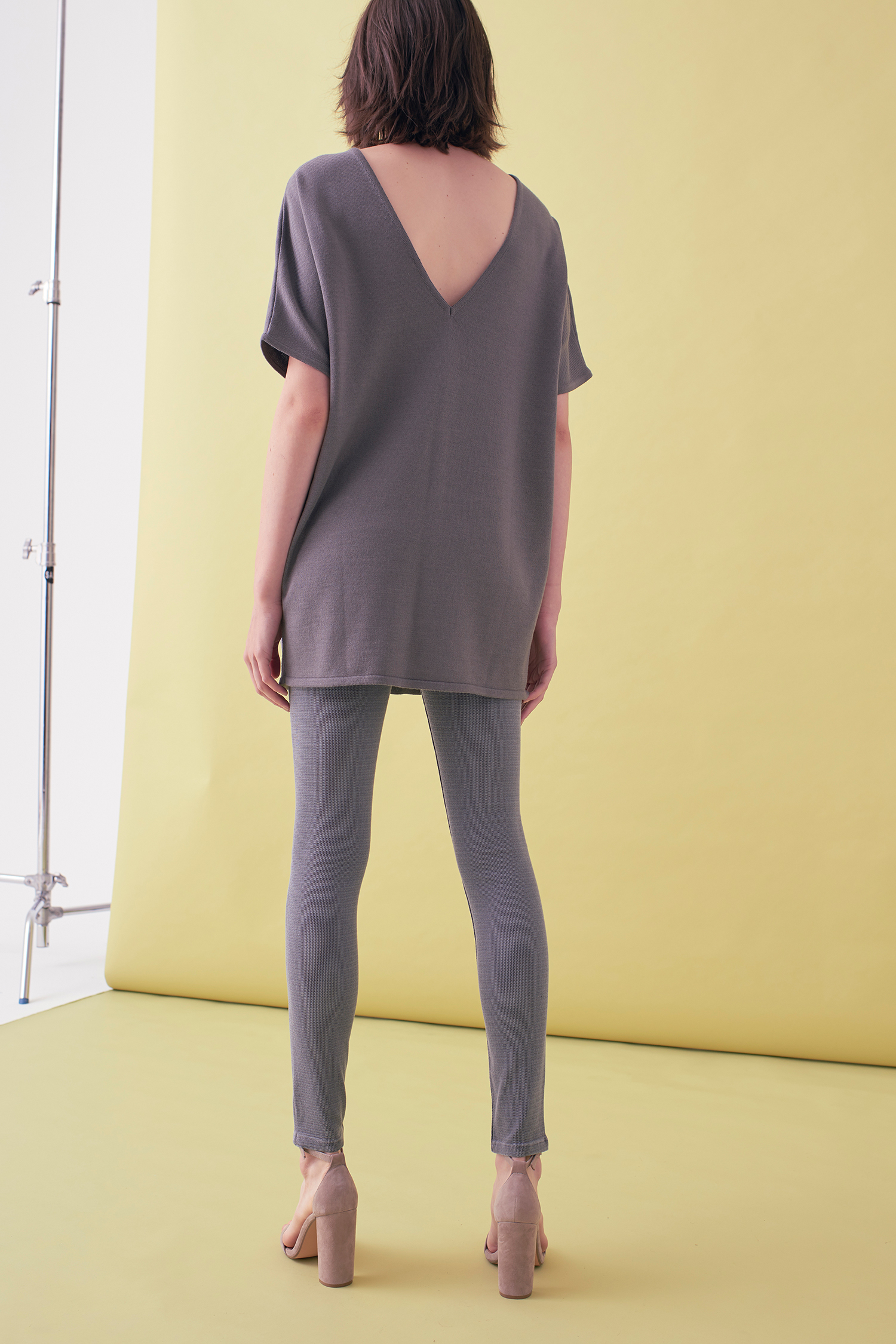 Sarah_Swann_SS17_07_Suede_And_Knit_Sweater_Pewter_B.jpg