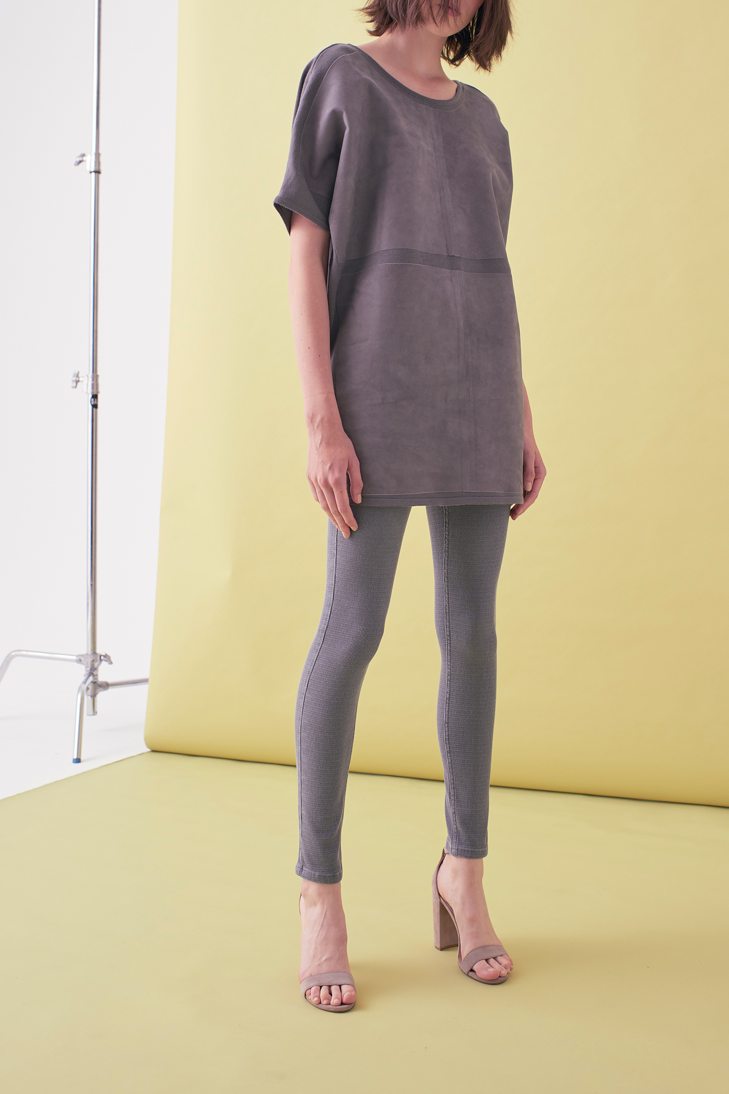 Sarah_Swann_SS17_07_Suede_And_Knit_Sweater_Pewter_F.jpg
