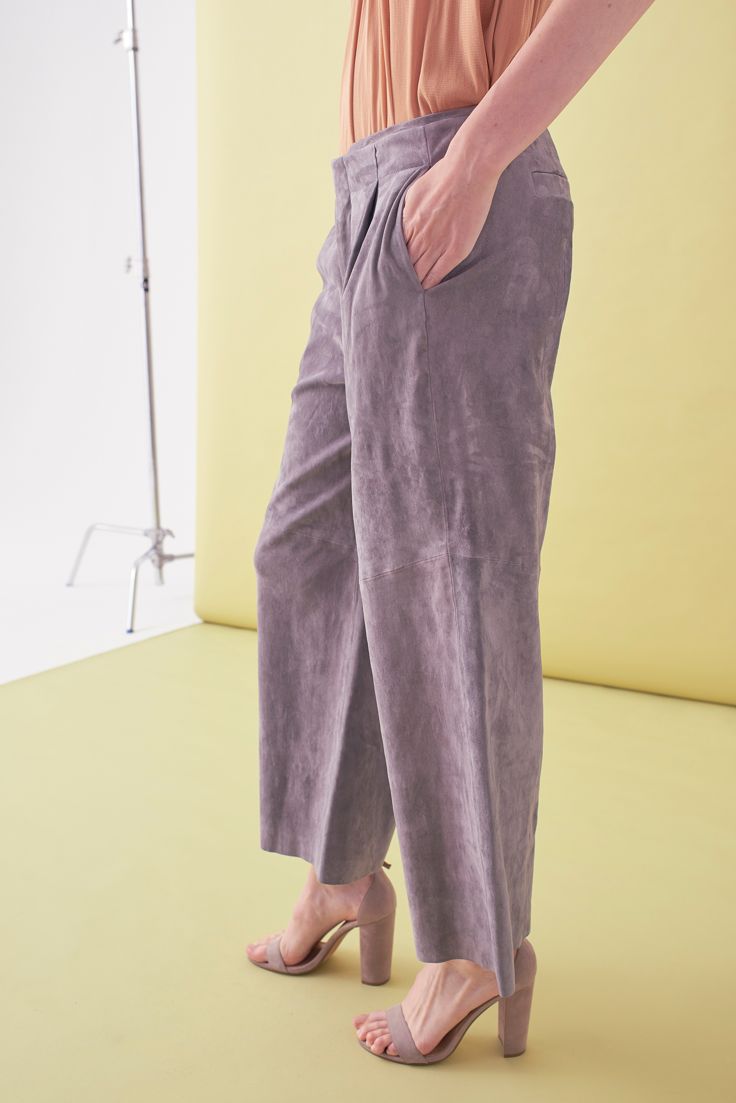 Sarah_Swann_SS17_37_Suede_Cropped_Wide_Leg_Trouser_Pewter_S.jpg