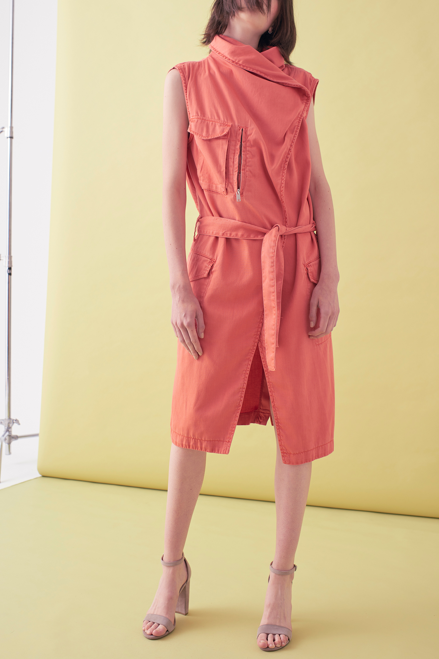 Sarah_Swann_SS17_39_Garment_Dyed_Cotton_Sleeveless_Long_Jacket_Coral_F.jpg