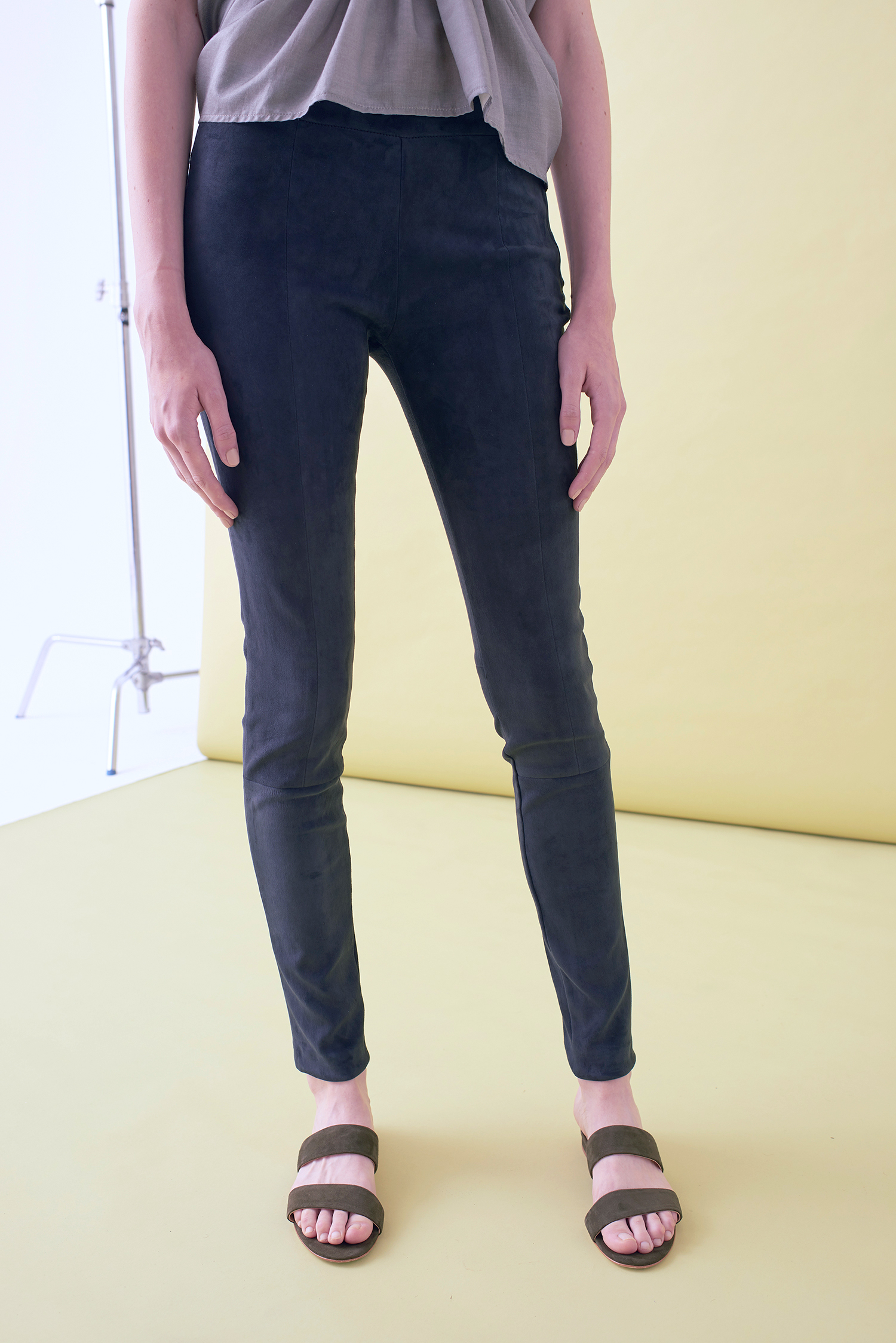 STRETCH SUEDE SKINNY TROUSER