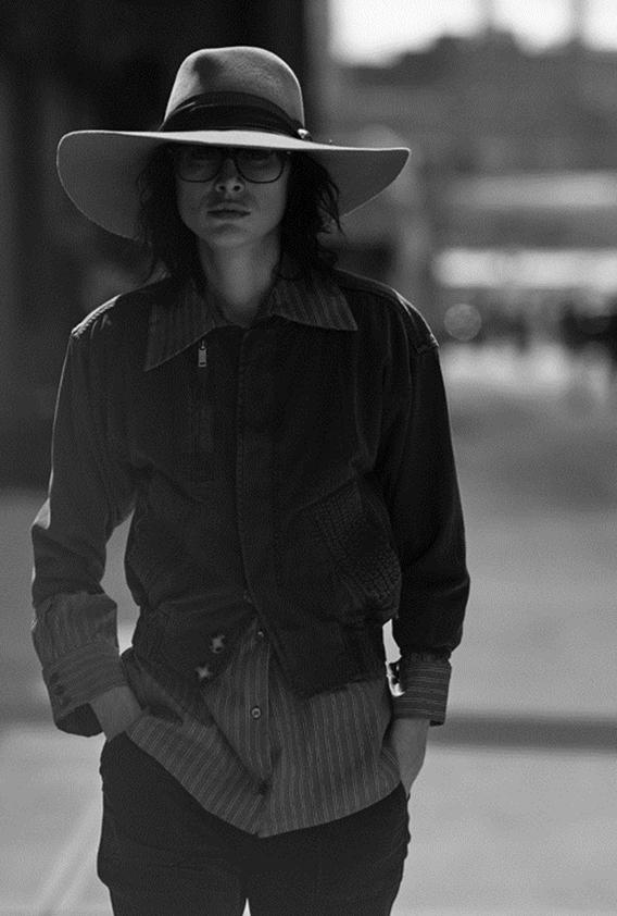 2017.06_SarahSwann_Press_MAGAZINES---S-magazine-Leica-02.jpg