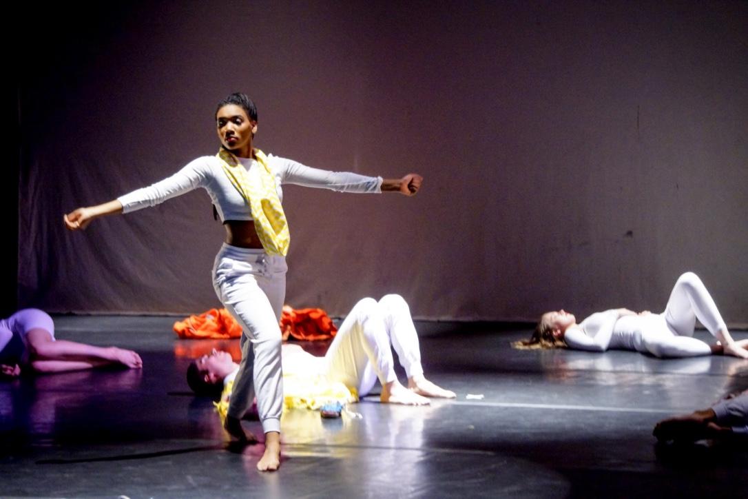 Network Theory     | SPRING Dance Concert   (2015) Choreography: Banu Ogan Costume Designer: Matthew Smith Lighting Design: Annie Hayes Santa Fe University of Art & Design | Santa Fe, NM Photo credit: Kyle McAnally