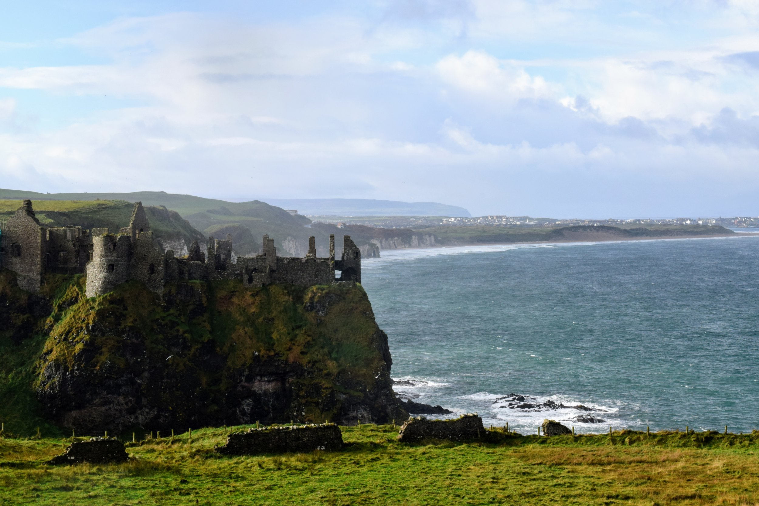 Dunluce Castle & the Antrim Coast (Nikon D3300, 50mm, f/16, 1/160 sec, ISO 400)