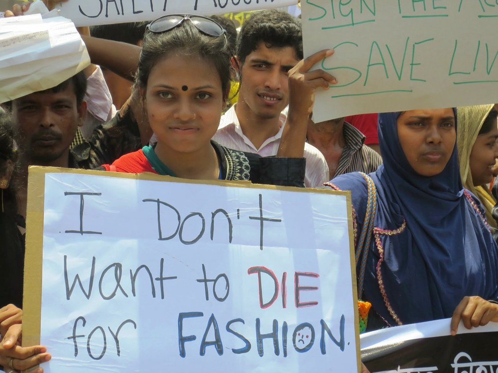 Thousands of garment workers and their unions rally on the one-year anniversary of the Rana Plaza collapse by Solidarity Center