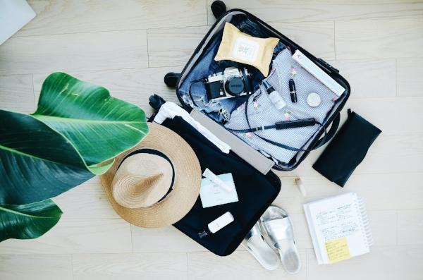 packing_flatlay_suitcase.jpg