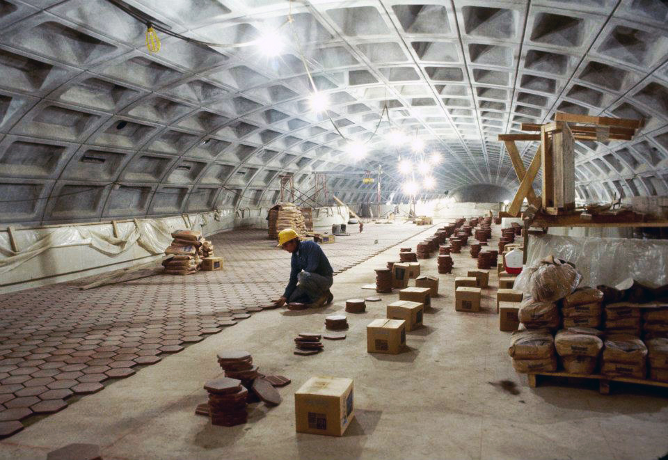 Tile installation at Ballston Station, 1978. WMATA  photo