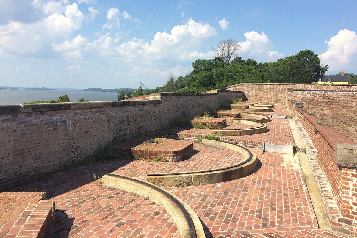 fort washington parapat