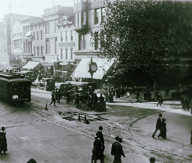 Streetcar at the intersection of 11th and F Street circa 1909.  Library of Congress  Photo