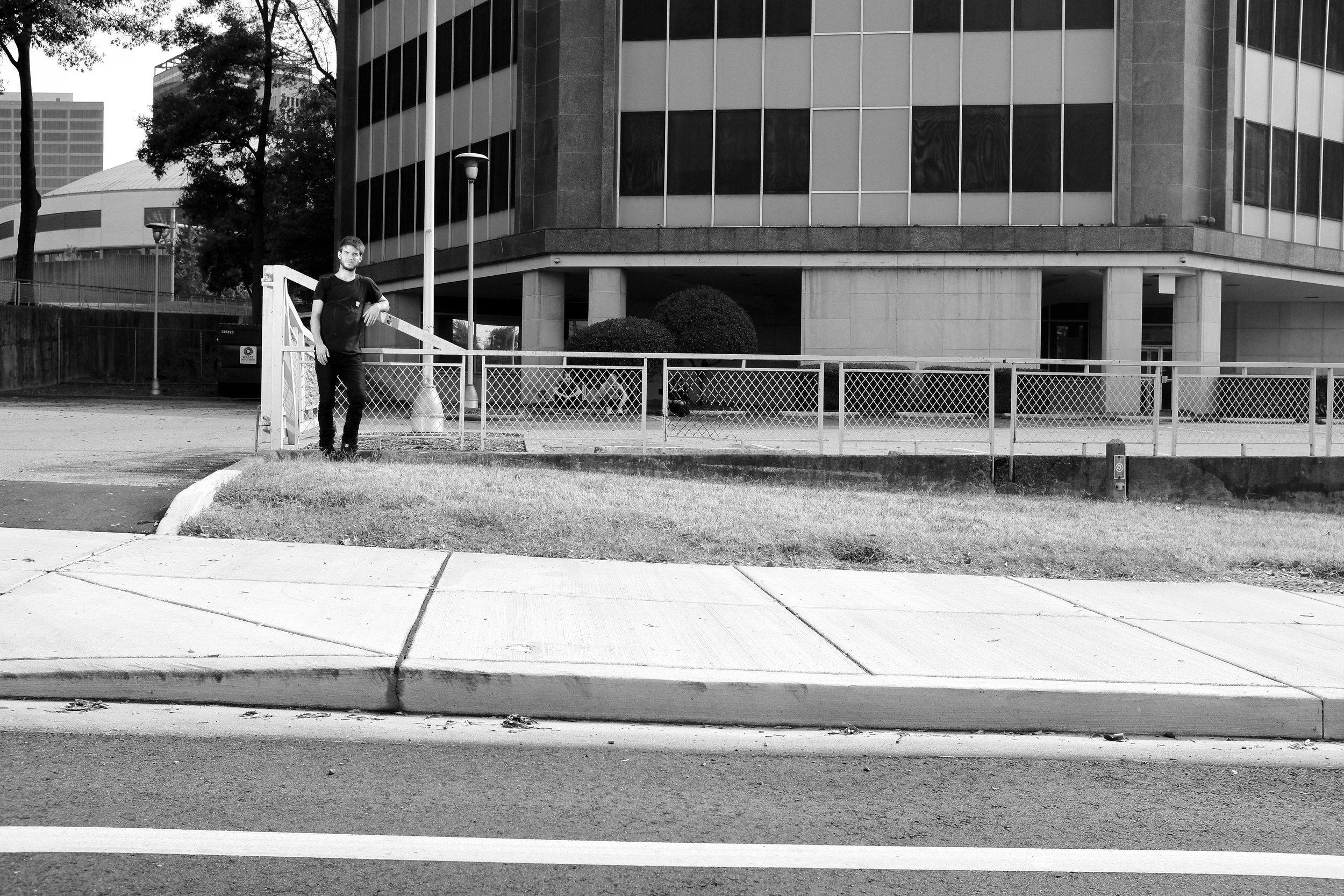 6_DEAD WHEELS SIZEMORE STANDING.jpg