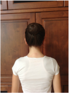 4.Surround the bun with bobby-pins and apply a hairnet around the bun until it feels tight enough to survive piquéturns.