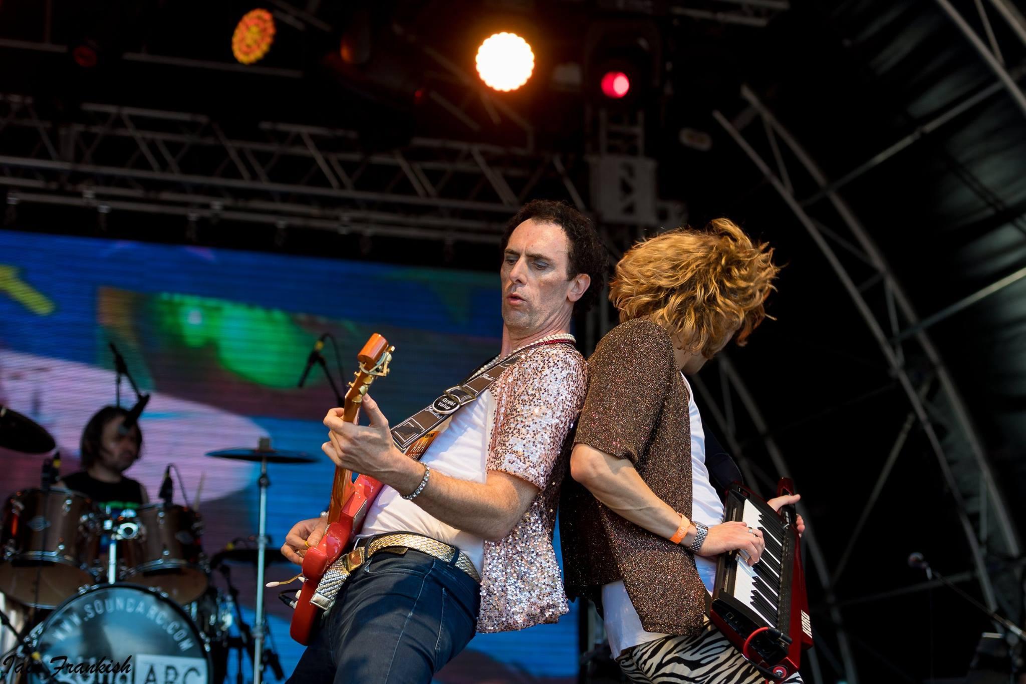 Massaoke at Ampthill Festival