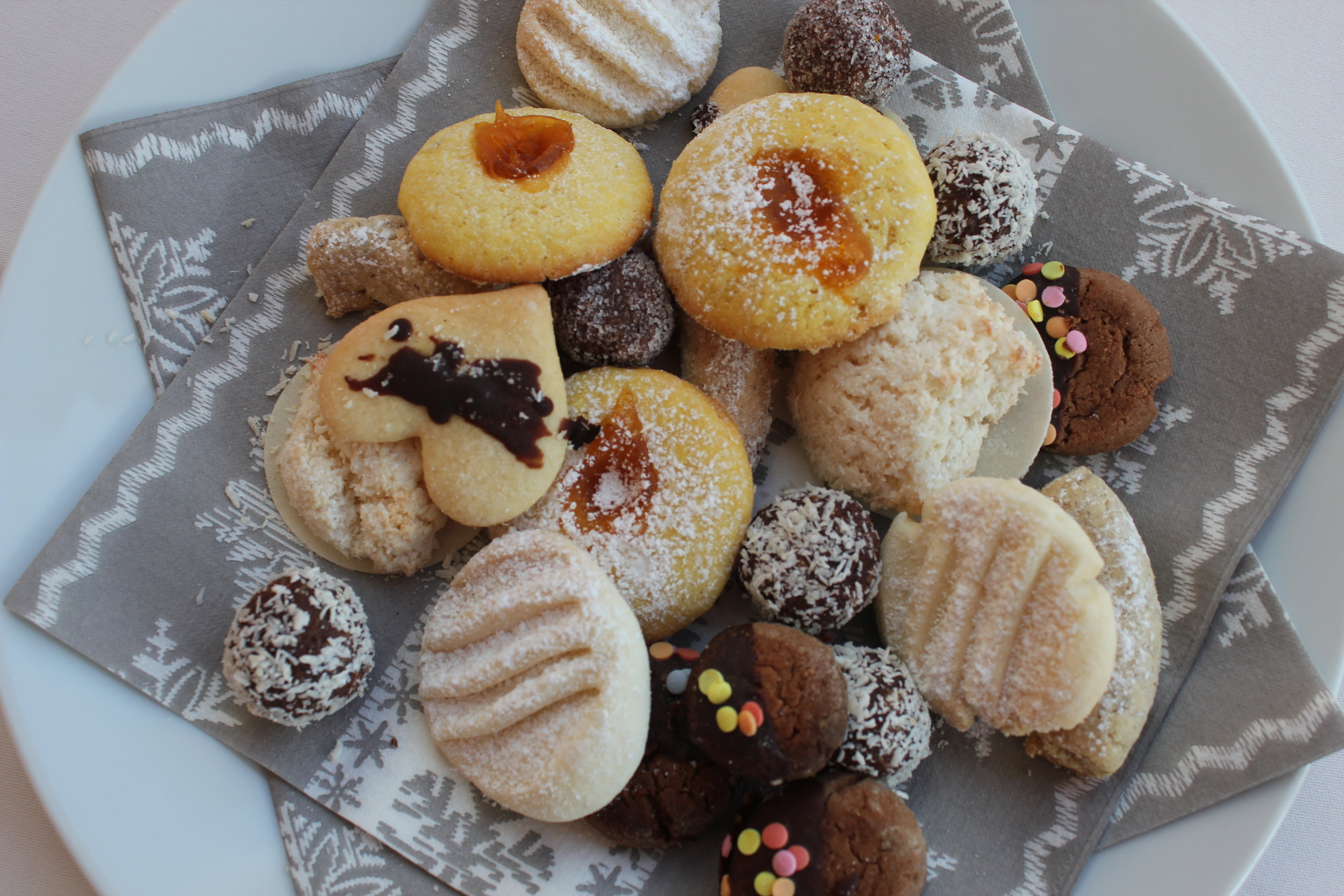 Hausgemachte Weihnachtskekse/Biscotti di natale fatti in casa