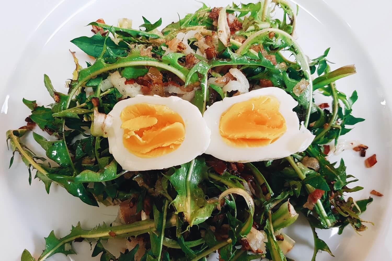 pfitscher-loewenzahn-salat-fertig.jpg
