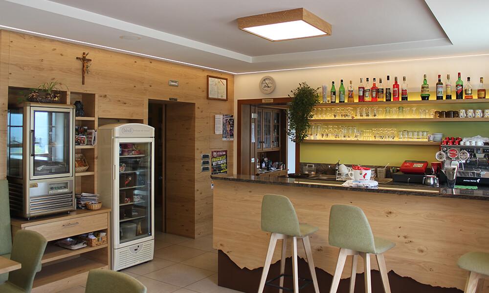 neue-bar-holz-beleuchtung-3.jpg