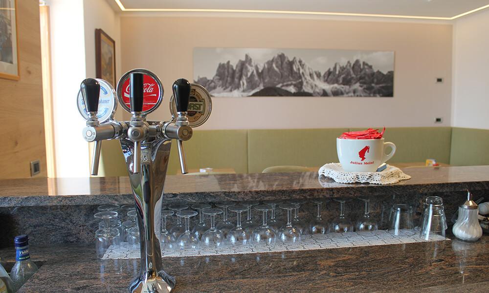 neue-bar-holz-beleuchtung-5.jpg