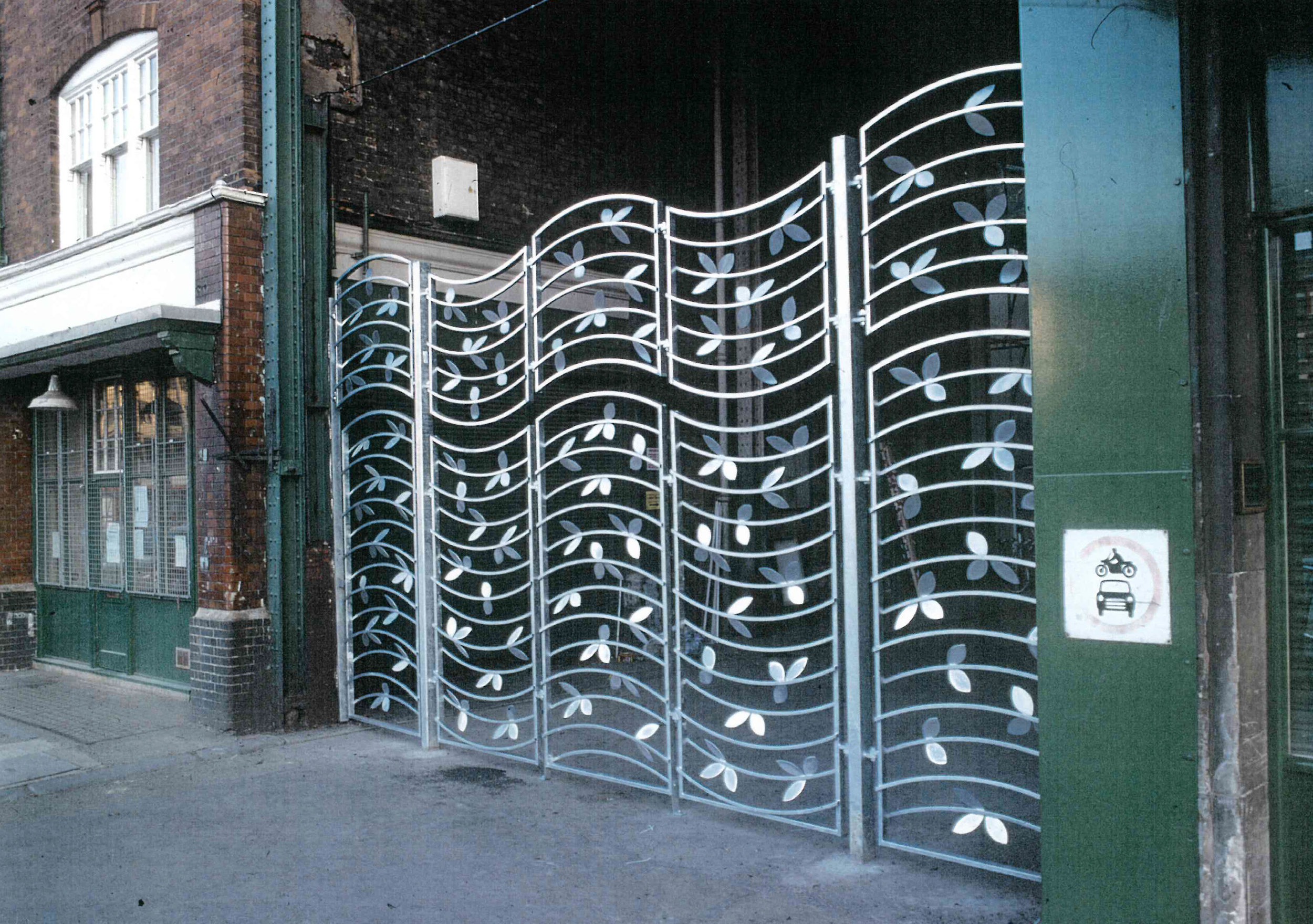 Galvanised steel gate for Spiatlfields Market.