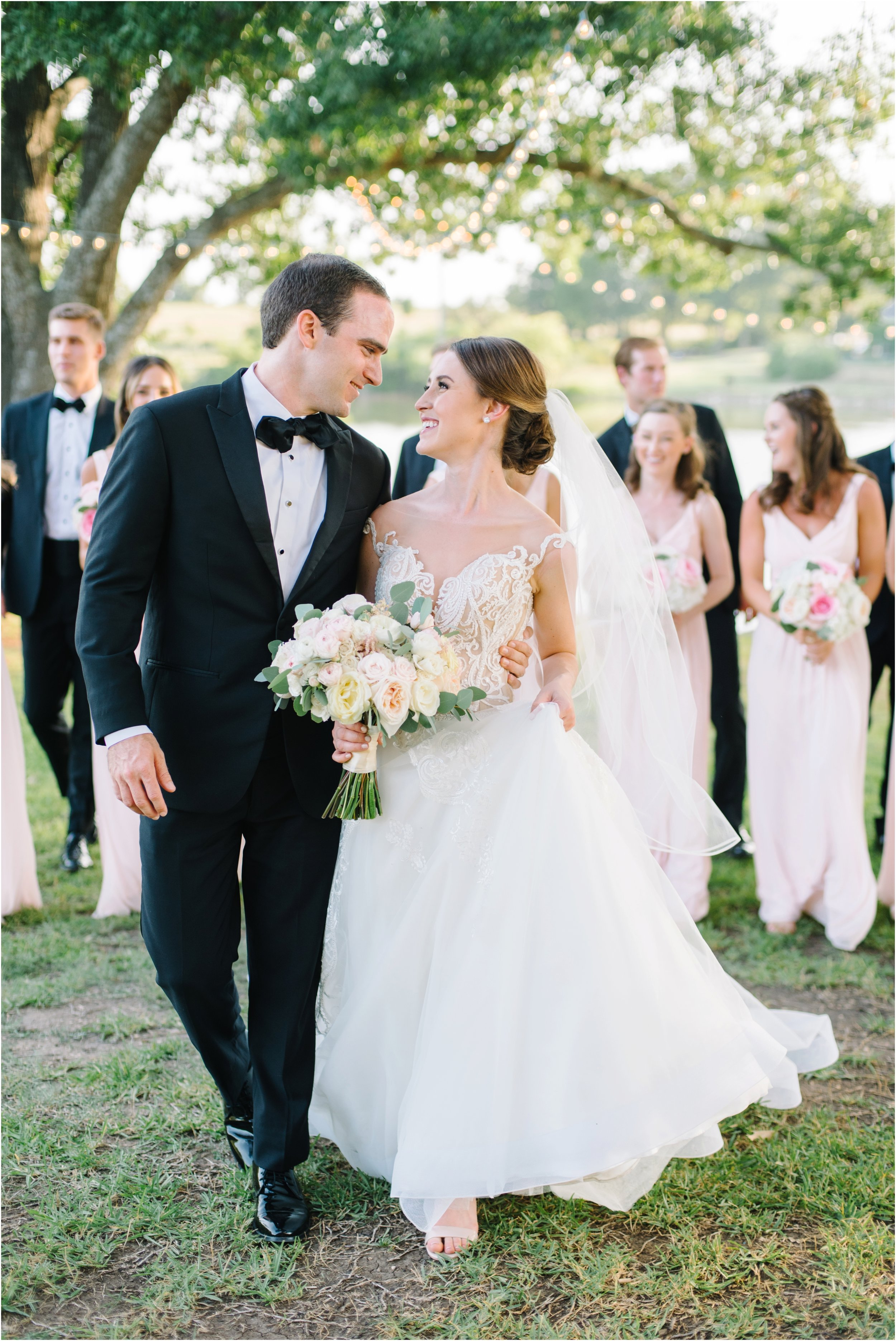 dallasweddingphotographer_fortworthweddingphotographer_texasweddingphotographer_mattandjulieweddings_whiterocklakewedding_KayleighClay_0029.jpg