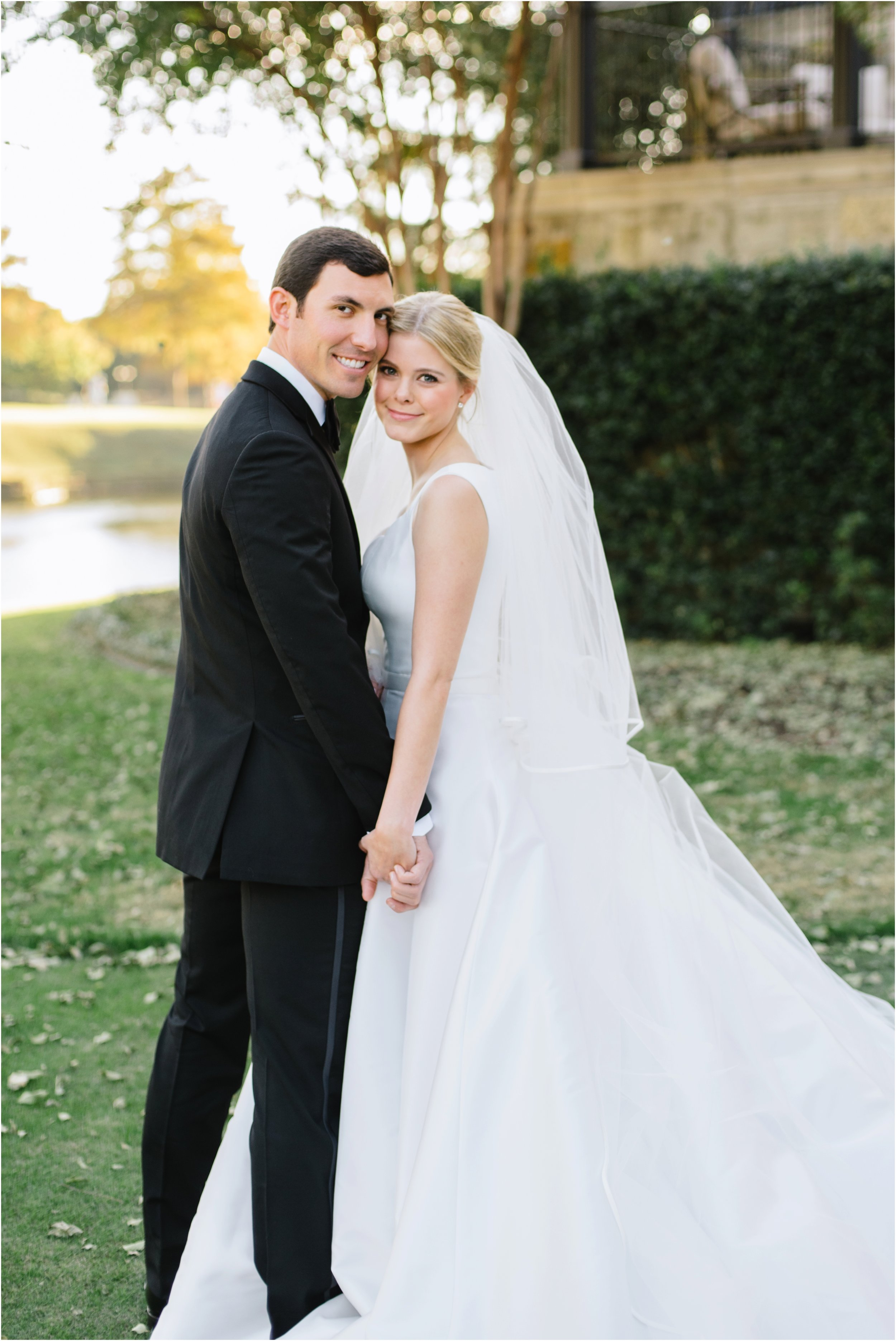 dallasweddingphotographer_DallasCountryClub_Hannah+Matthew_0041.jpg