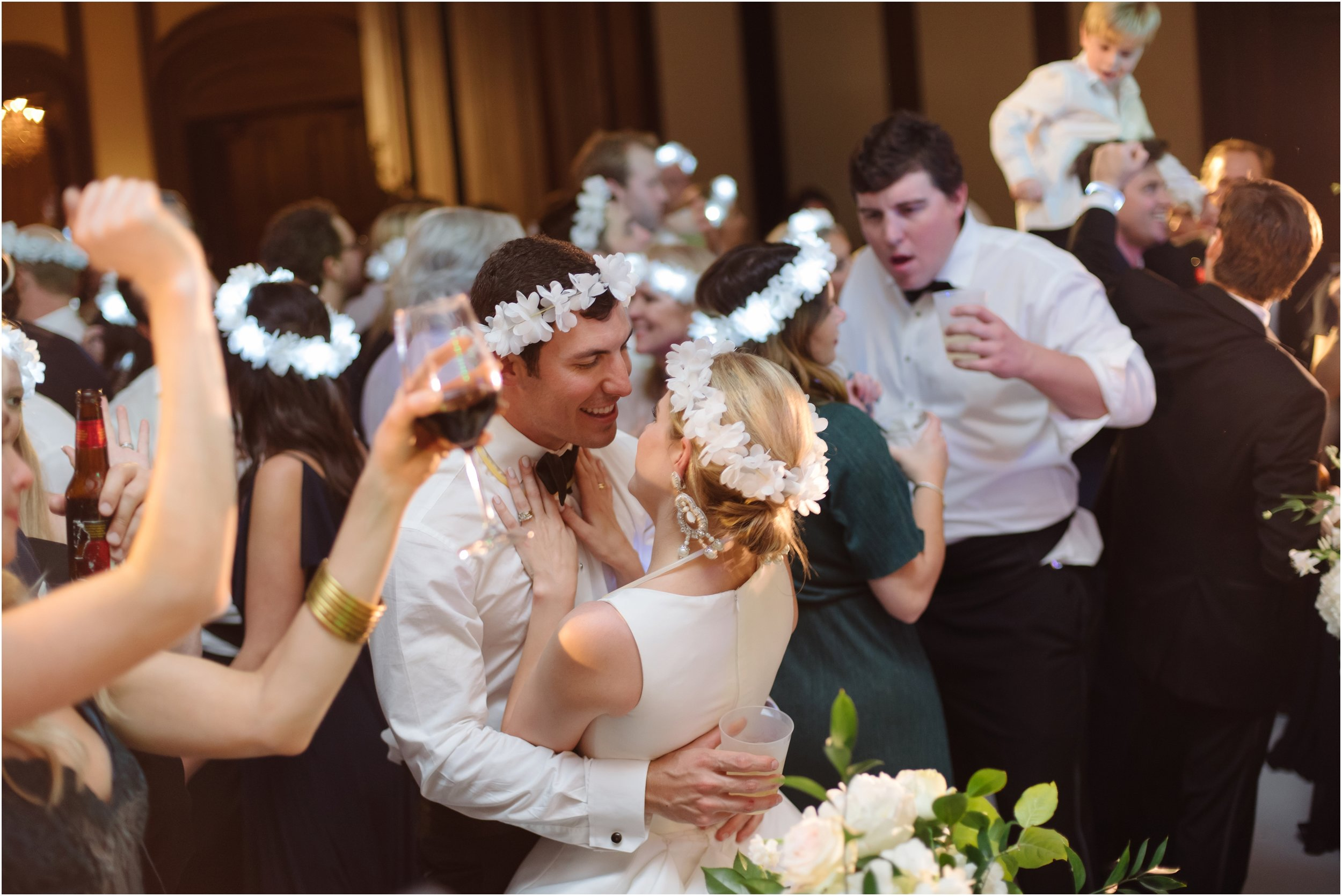 dallasweddingphotographer_DallasCountryClub_Hannah+Matthew_0071.jpg