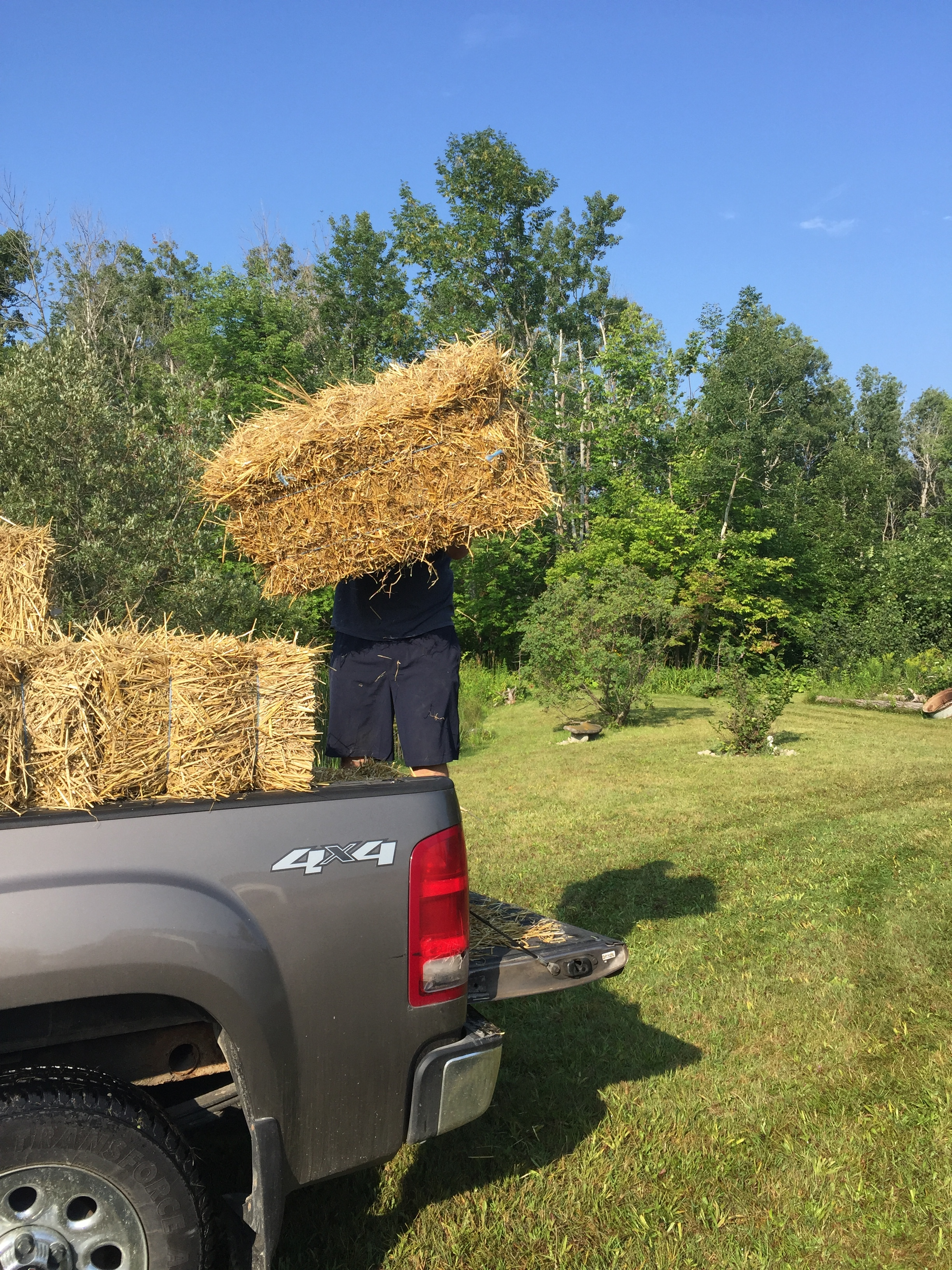 How to Use Hay Bale Seating