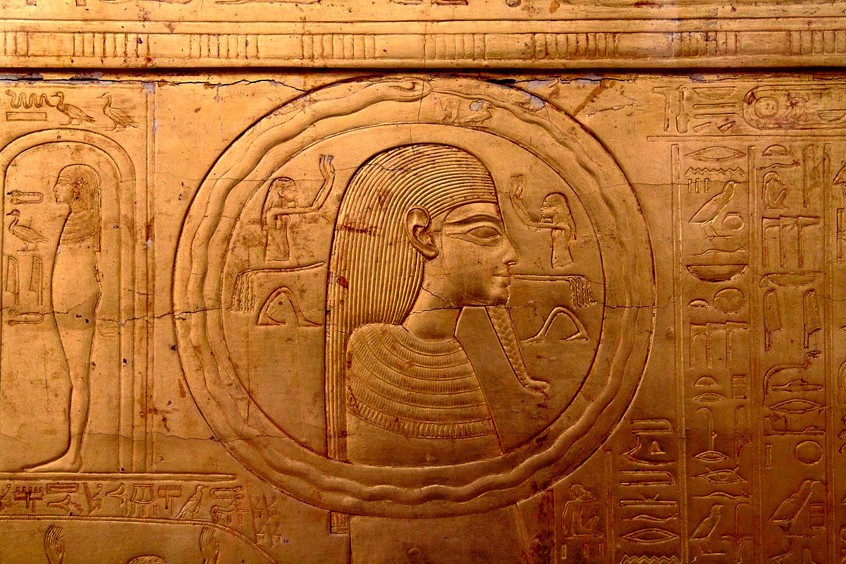 The second gilded shrine of Tutankhamun, image via  Tour Egypt