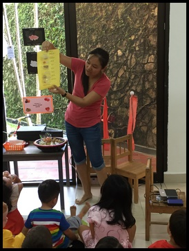 The children did 2 activities today, which Ma laoshi explained to them.