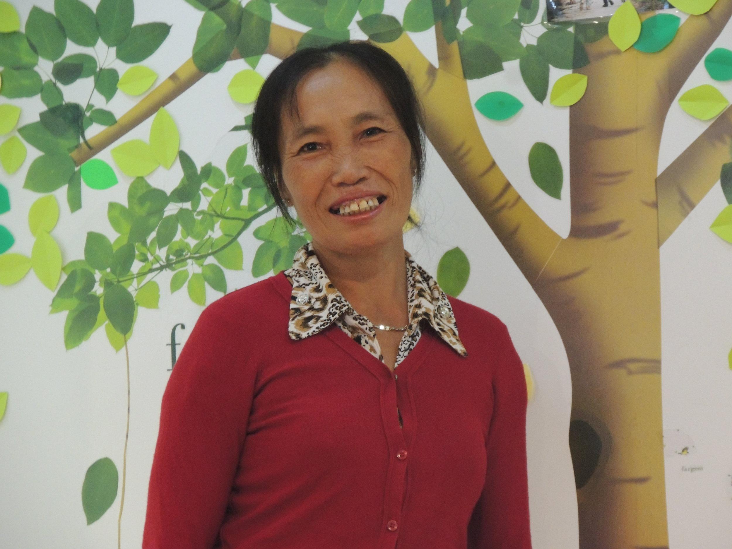 Lưu Thị Sim - Quản Lý Mạng Lưới Hộ Dân