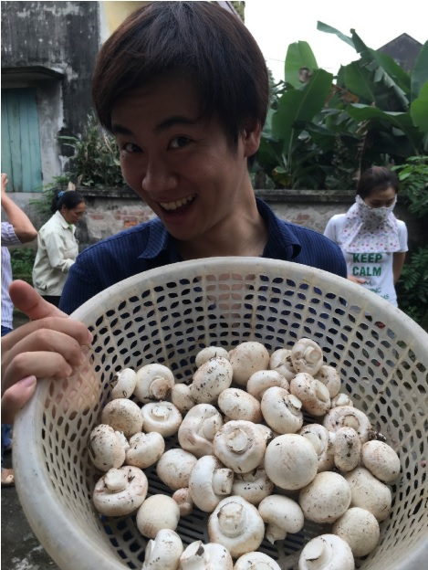 Ryota and his mushrooms © Thuan Sarzynski