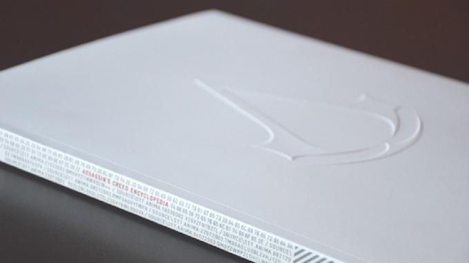 ... toglietela e otterrete il libro bianco di Assassin's Creed.
