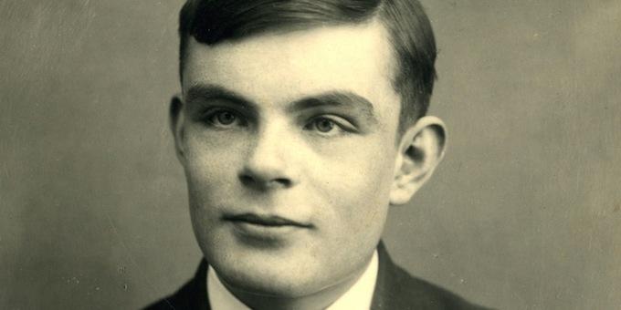 Un giovanissimo Alan Turing. Proprio lui.